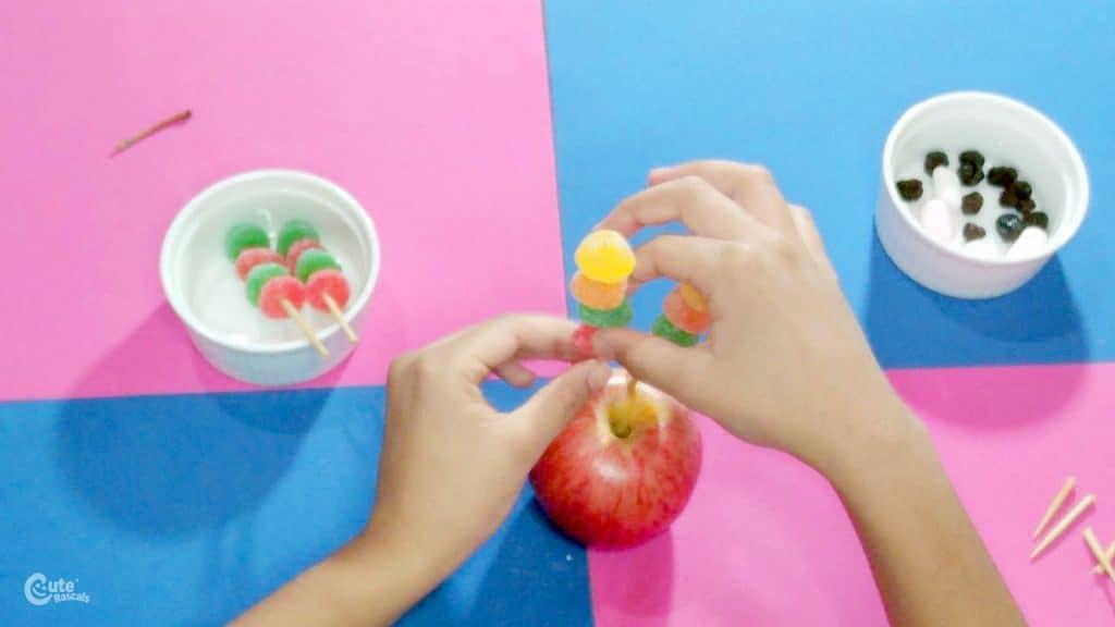 Sense of taste activity for kids. No-bake turkey with gummy feathers.