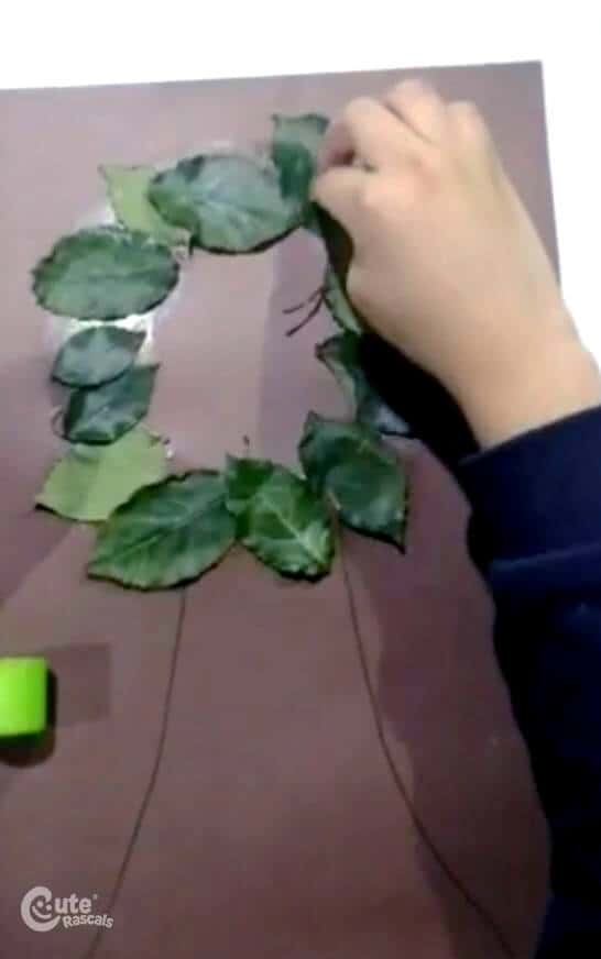 paste the dry leaves