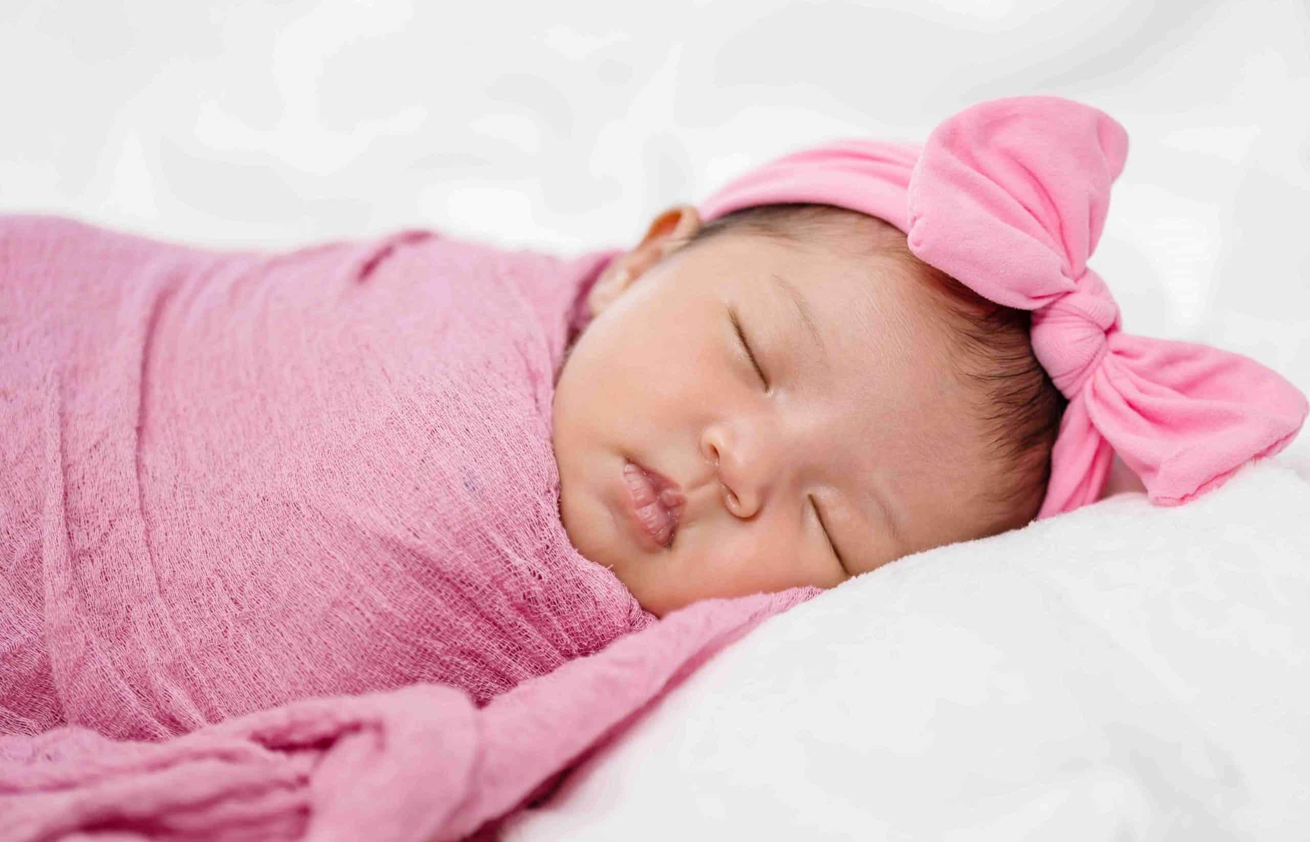 Swaddle Blanket vs. Receiving Blanket: 5 Steps To Buy a Baby Blanket